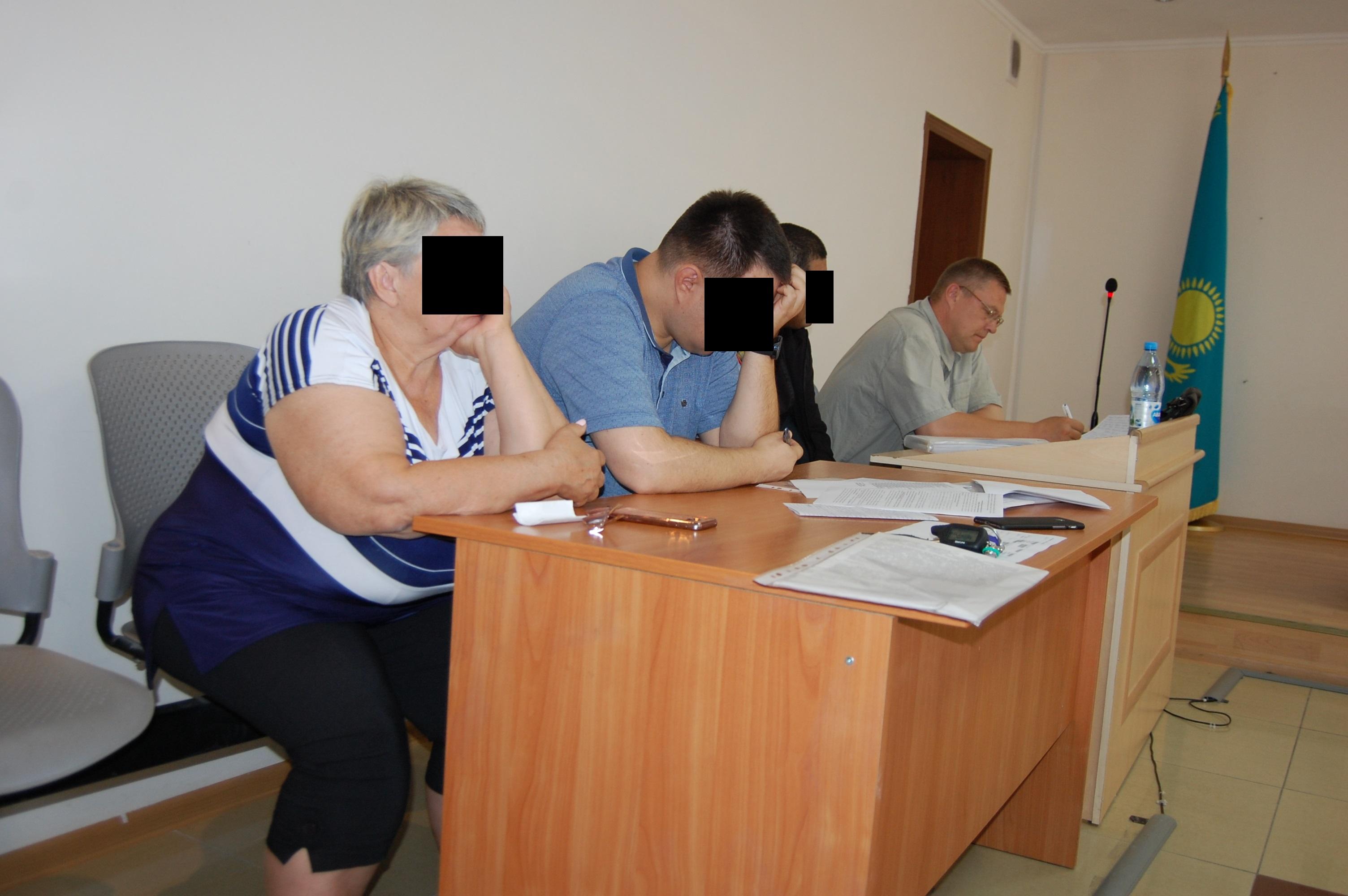 12,5 лет лишения свободы в общем запросил гособвинитель для экс-сотрудников отдела земельных отношений Костаная и взяткодателя