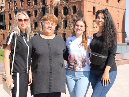 Семья из Казахстана почтила память погибшего под Сталинградом деда