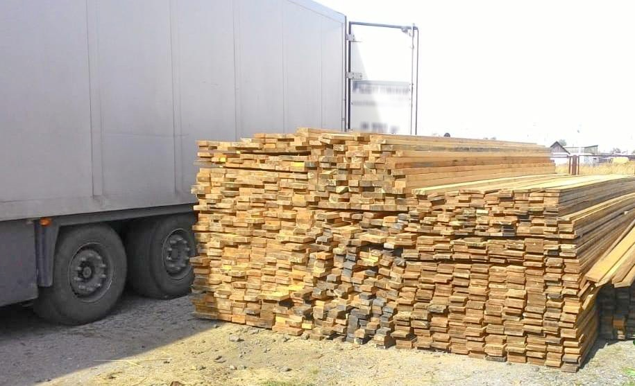 Таможенники остановили вывоз в Казахстан сибирской пихты