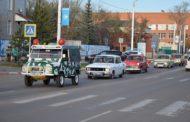 101-ую годовщину ВЛКСМ в Костанае отметили автопробегом ретромашин