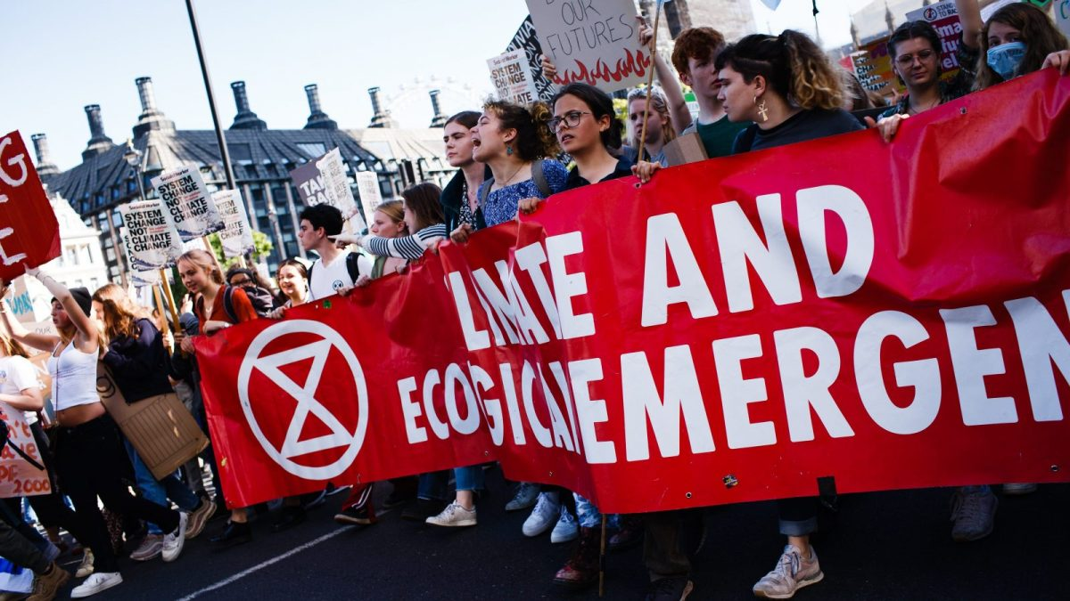 В 60 городах мира начались протестные акции экодвижения Extinction Rebellion