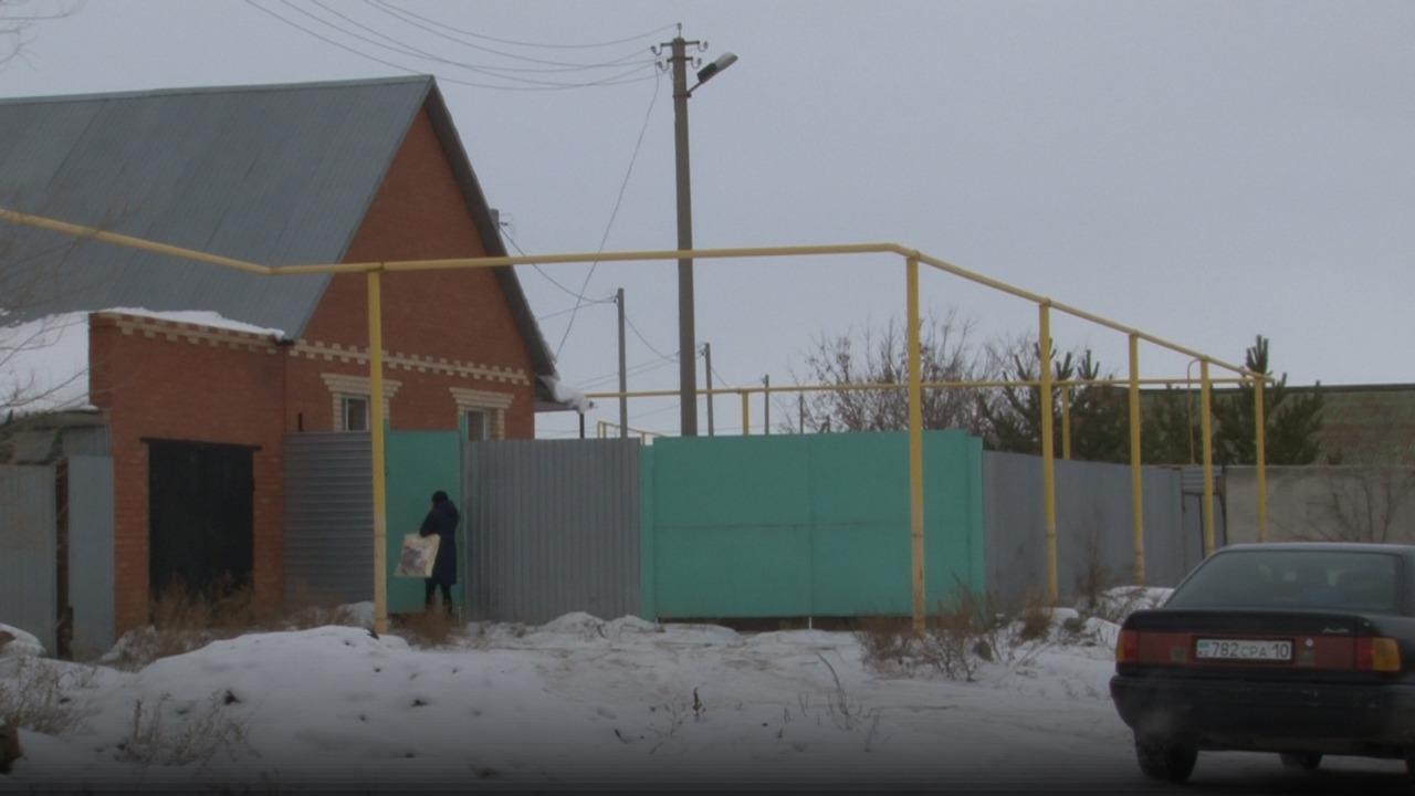 Жители ул. Спортивной в Затобольске уже более 10 лет не могут беспрепятственно попасть в свои дома