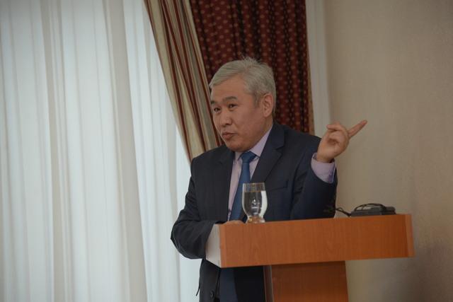 Почему доктор исторических наук Еркин Абиль больше не возглавляет Костанайский государственный педагогический университет?