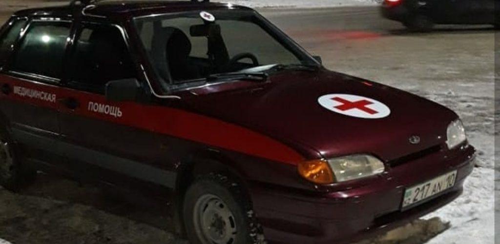 Врачи «неотложки» вытащили двух детей из горящего дома в Костанае