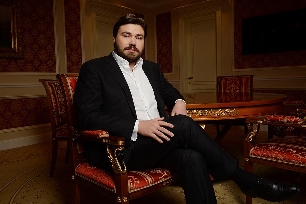 Константин Малофеев и криптовалютчики в штатском
