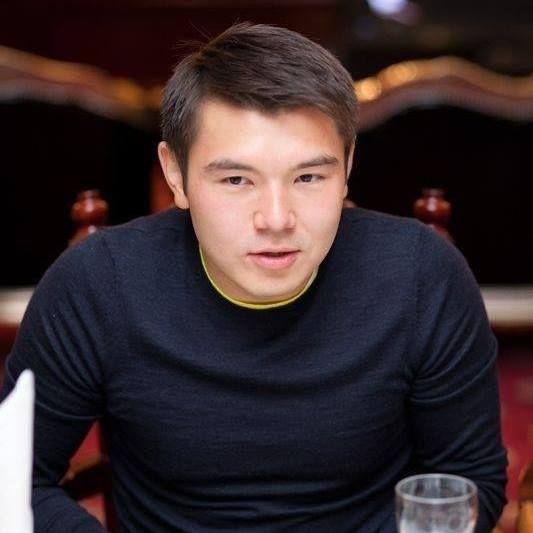Айсултан Назарбаев опубликовал скандальные записи в соцсети