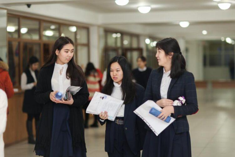 Дорогие подарки получат казахстанские выпускники за высший балл на ЕНТ
