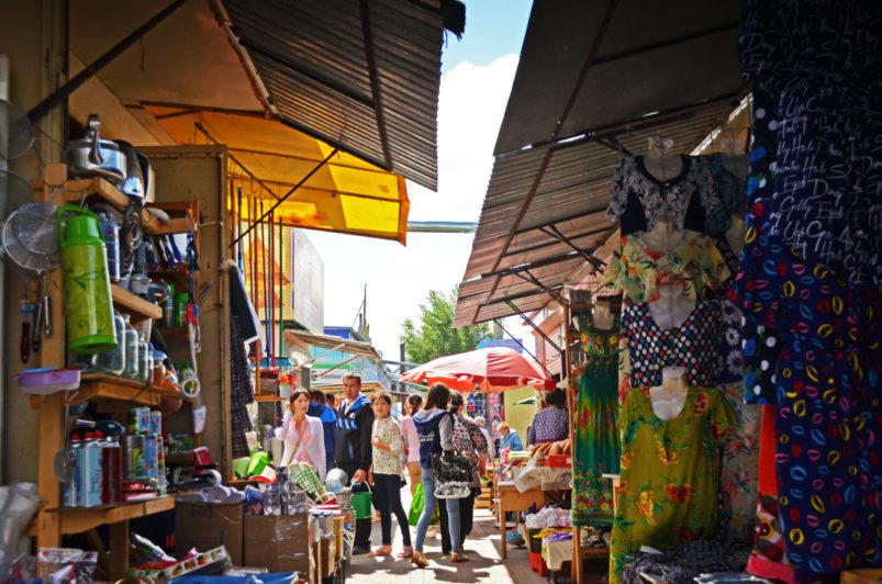 Рекомендации местной власти игнорируют собственники торговых площадей Центрального рынка в Костанае
