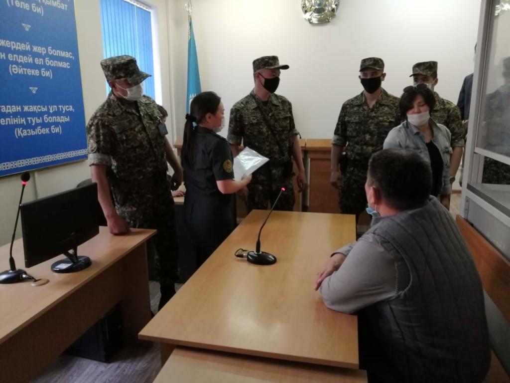 Экс-главкома ВМС РК объявил сухую голодовку