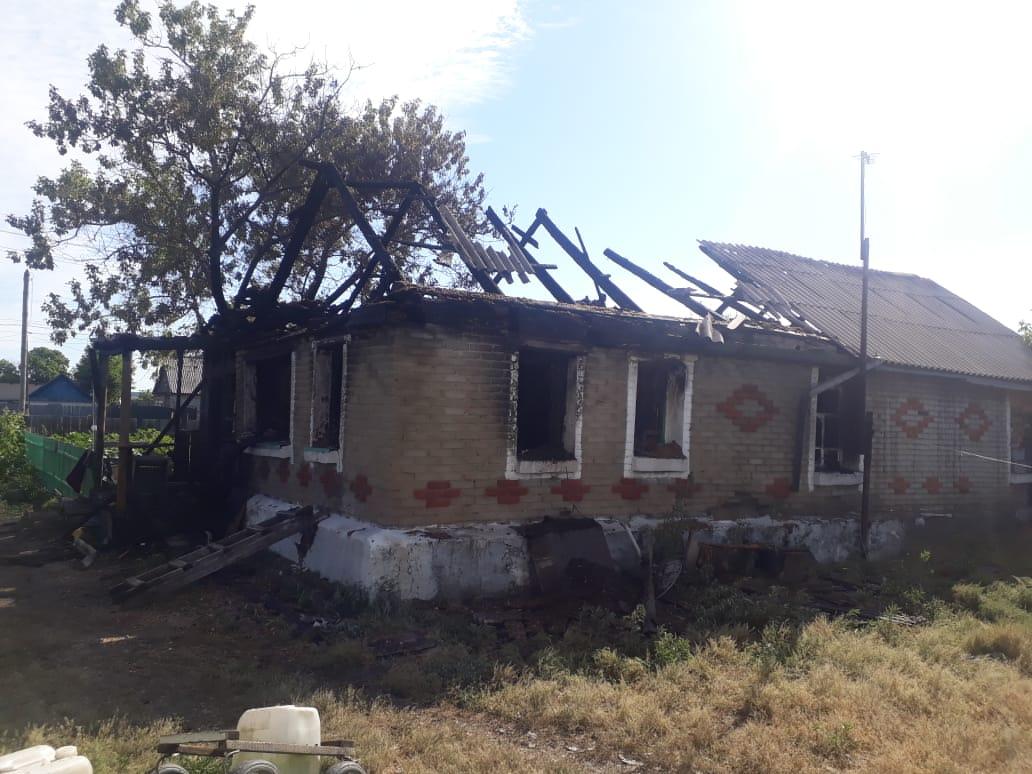 Тела двух женщин обнаружены после пожара в жилом доме в Костанайской области