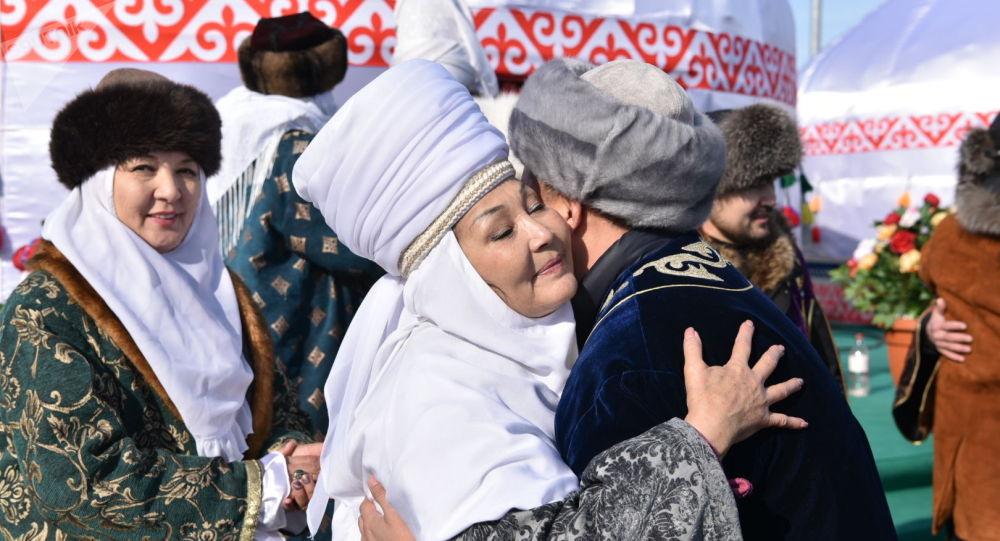 «У нас две родины»: как живут казахи в России
