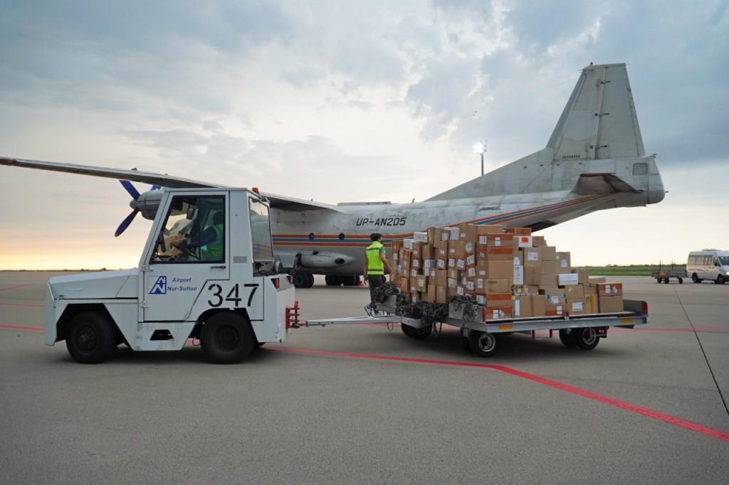 В Нур-Султан завезли более 600 тысяч упаковок препаратов для лечения больных с коронавирусом и пневмонией