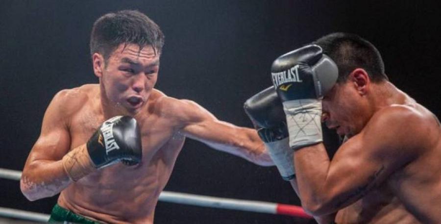 Казахстанский боксер потерял титулы от WBA, WBO и IBF