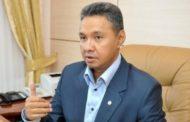Азат Перуашев передал средства защиты и дыхательные аппараты Аркалыкской больнице