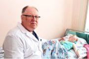 В Челябинске прооперировали казахстанскую девочку с двумя желудками