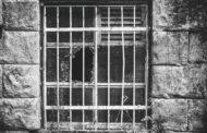 В Уганде из тюрьмы сбежали 200 голых заключенных