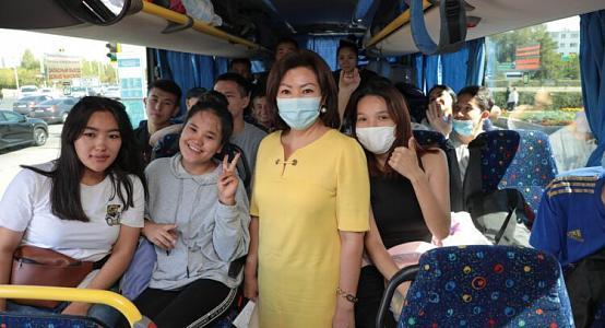 Отправленные автобусом «Нур-Отана» в Россию студенты застряли в Казахстане