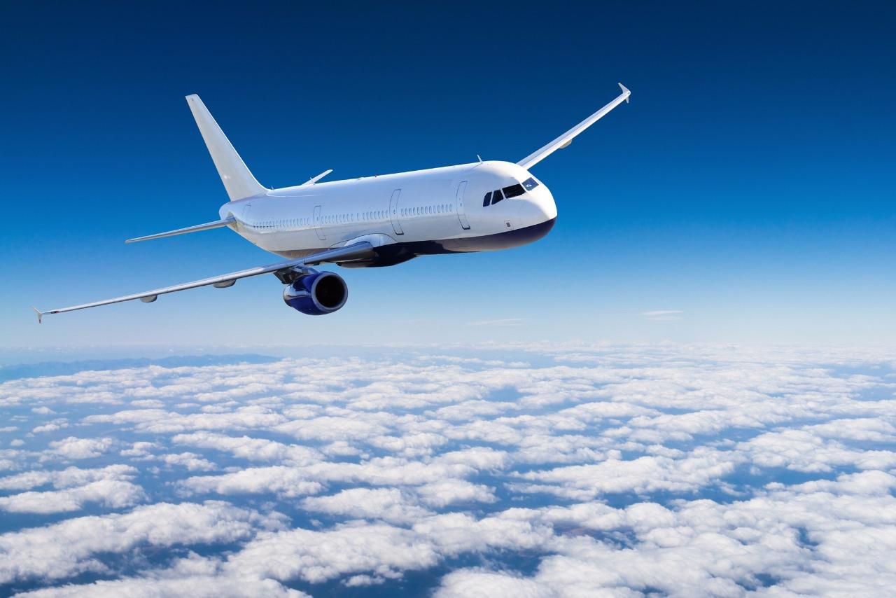 В самолете, выполнявшем рейс из Алматы в Костанай, скончался 70-летний мужчина