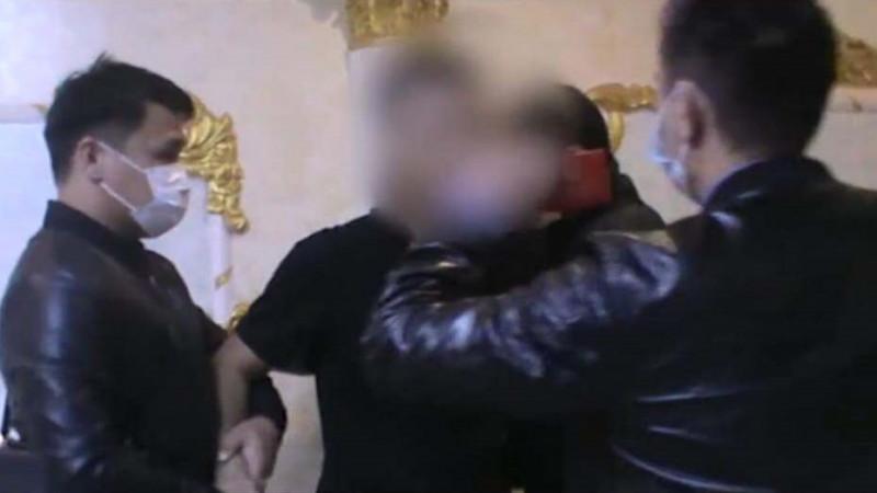 Задержание мужчин-проституток в Талдыкоргане попало на видео
