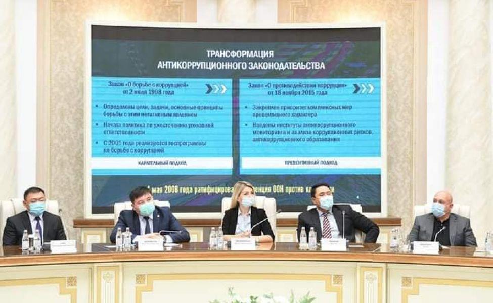 Шпекбаев призвал силовиков выжечь у себя где-нибудь калёным железом слова о запрете провокаций преступлений