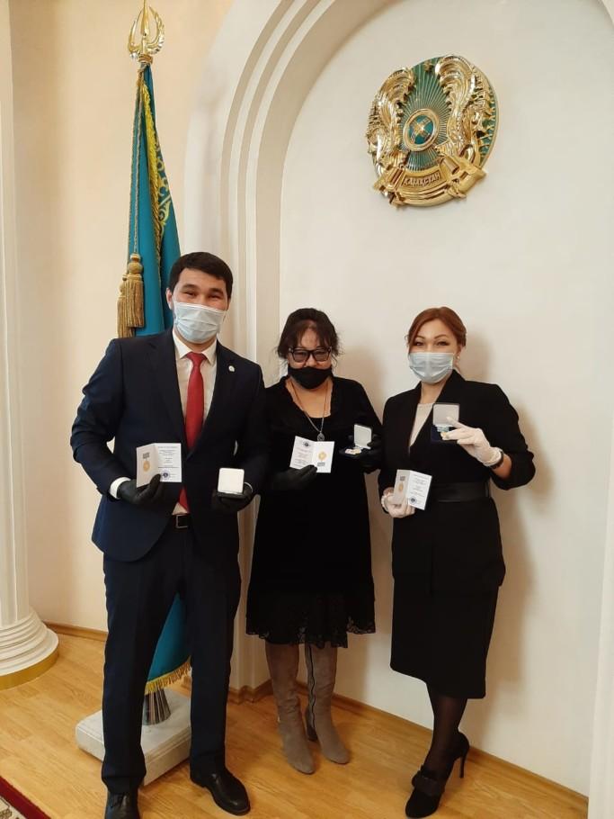 Руководители девяти костанайских НПО получили медали «Халық алғысы»