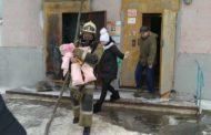 8 детей эвакуировали спасатели из горящего дома в городе Рудном