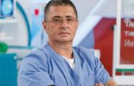Доктор Мясников назвал роковую ошибку при лечении COVID-19 дома