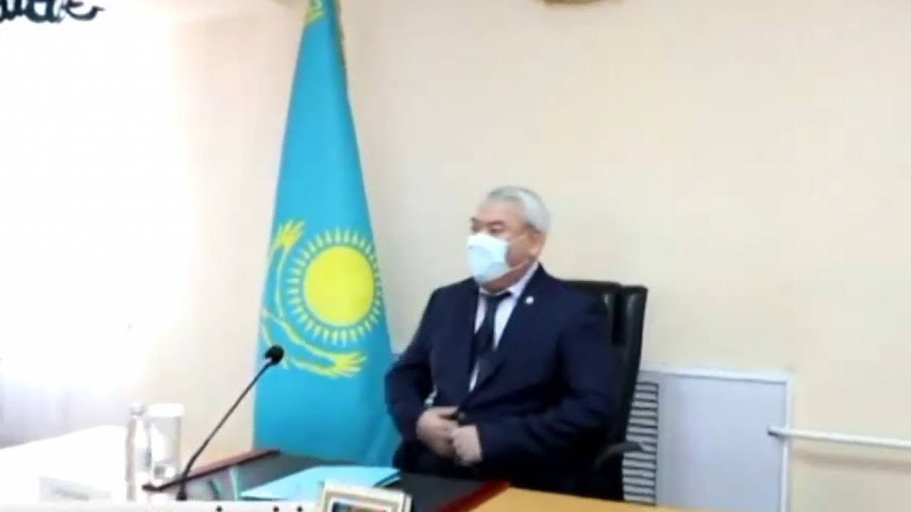 Попался на взятке? Аким Талгарского района не вышел на работу после информации в соцсетях