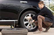 В Костанае сняли резину с арестованной машины на штрафстоянке
