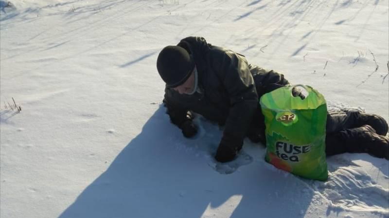 Замерзающего на кладбище мужчину спас сотрудник колонии
