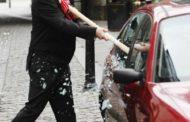 В центре города Костаная злоумышленники бьют машины