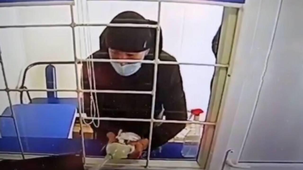 Грабители облили кассира бензином и угрожали поджечь в Караганде