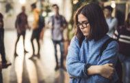 Психолог назвал способы избавиться от возникшей во время пандемии социофобии