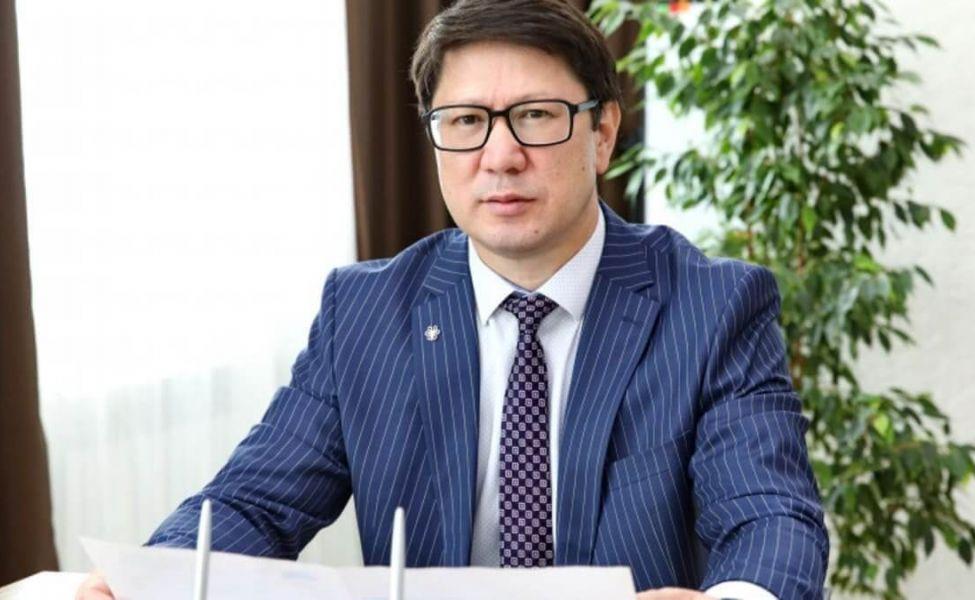 Сколько казахстанцев находятся вне системы соцмедстрахования