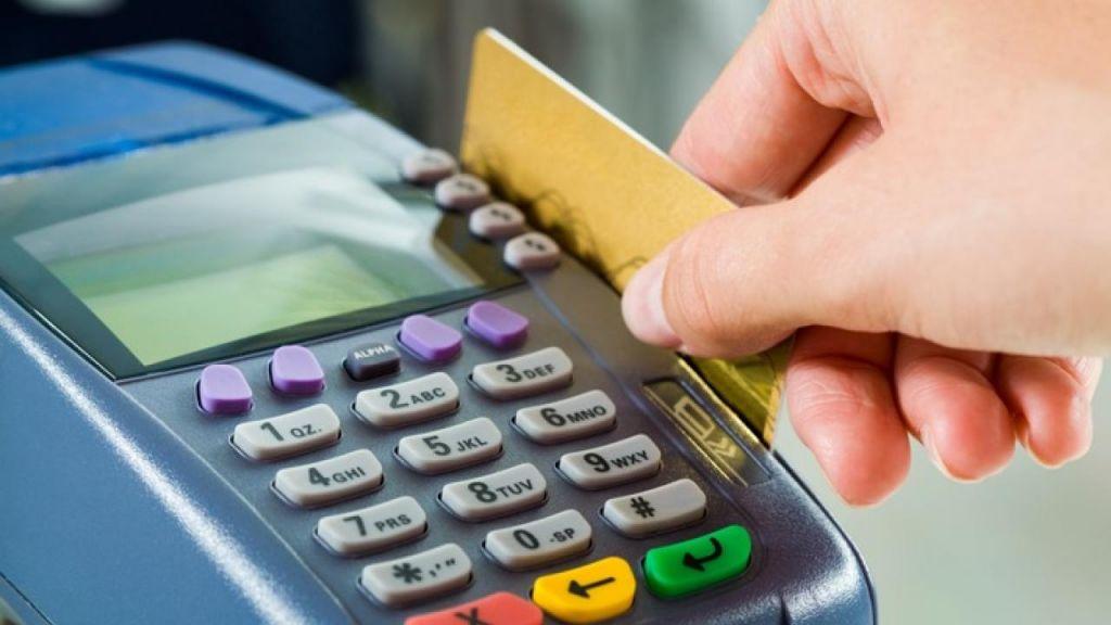 В марте операции по платежным картам в Казахстане выросли на 17%