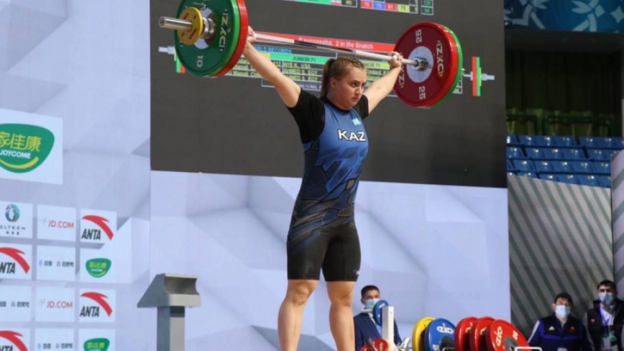 Казахстанка стала бронзовым призером чемпионата Азии по тяжелой атлетике