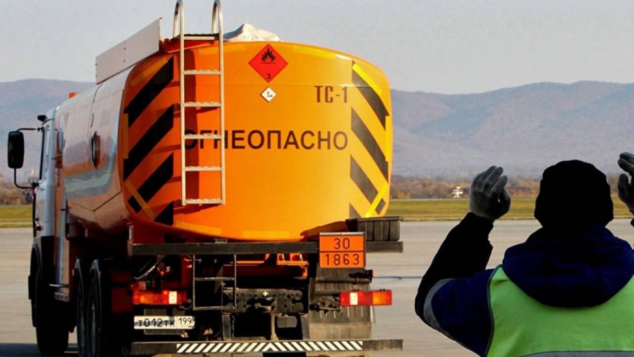 Казахстан вводит запрет на экспорт топлива автотранспортом