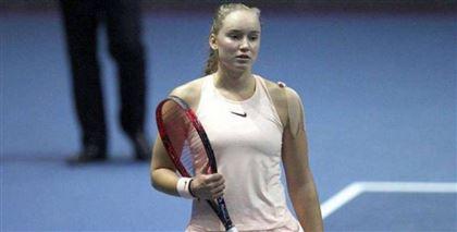 Теннисистка Елена Рыбакина отказалась продолжать игру прямо во время турнира