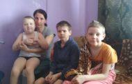 В Костанае мать с тремя детьми может оказаться на улице