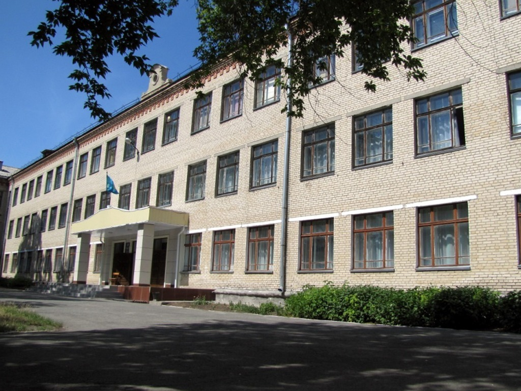 Директор средней школы №122 Оксана Миколаенко подозревается в присвоении и растрате вверенного чужого имущества