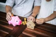 На 12% стало больше казахстанских семей с доходами ниже прожиточного уровня
