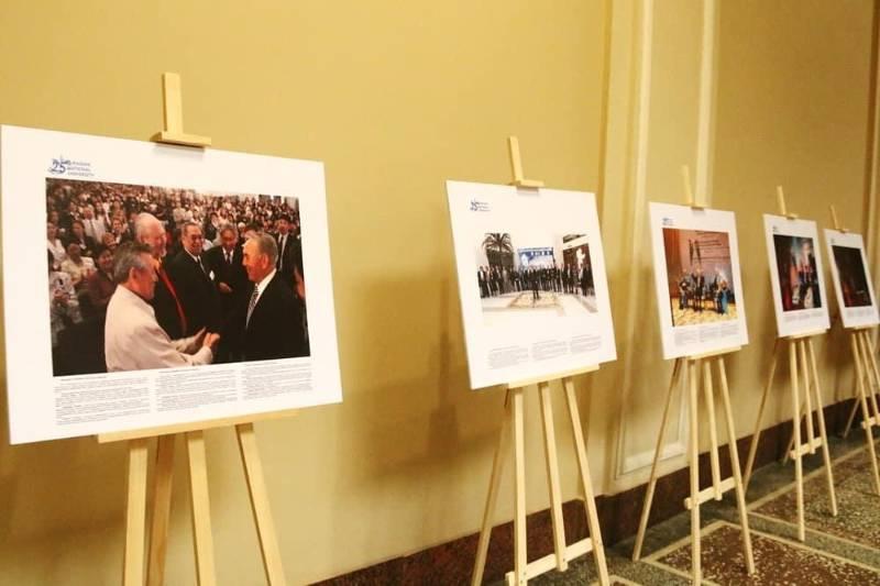 Выставка к 30-летию Независимости РК и 25-летию ЕНУ открылась в Украине