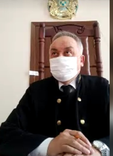 Лжемебельщик Владлен Горецкий пытается примириться в суде с потерпевшими