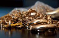 Актауский таможенник помогал контрабанде ювелирных украшений из Турции