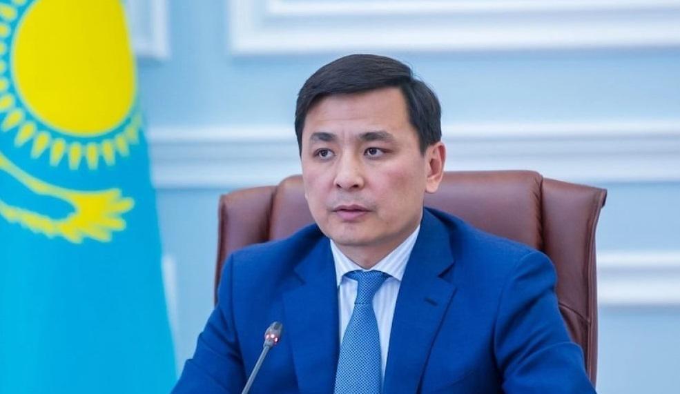 Кульгинов назвал ряд профессий, работникам которых необходимо привиться против Covid-19
