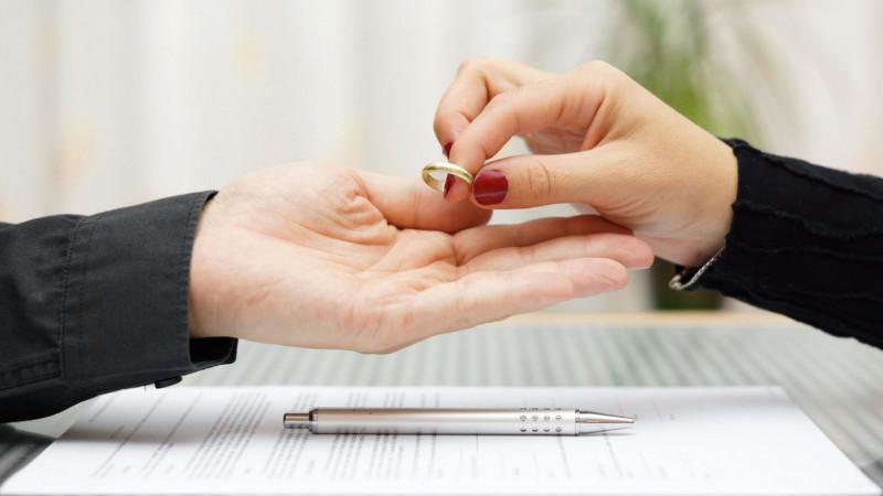 С начала года в Казахстане отмечается снижение количества разводов