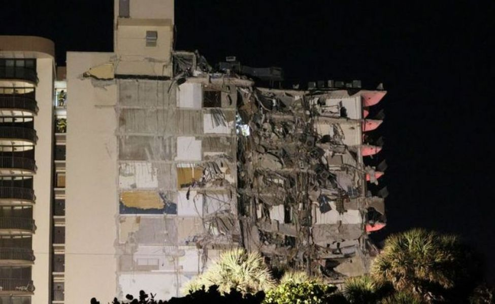 В Майами обрушилась многоэтажка, без вести пропали 99 человек
