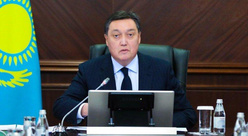 Премьер-министр поручил увеличить темпы вакцинации в ряде регионов