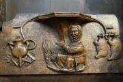 В средневековой церкви Англии обнаружен барельеф кочевницы