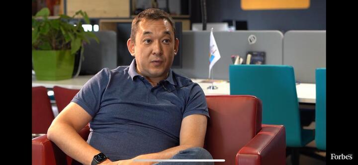 Как на казахстанцев вешают чужие кредиты